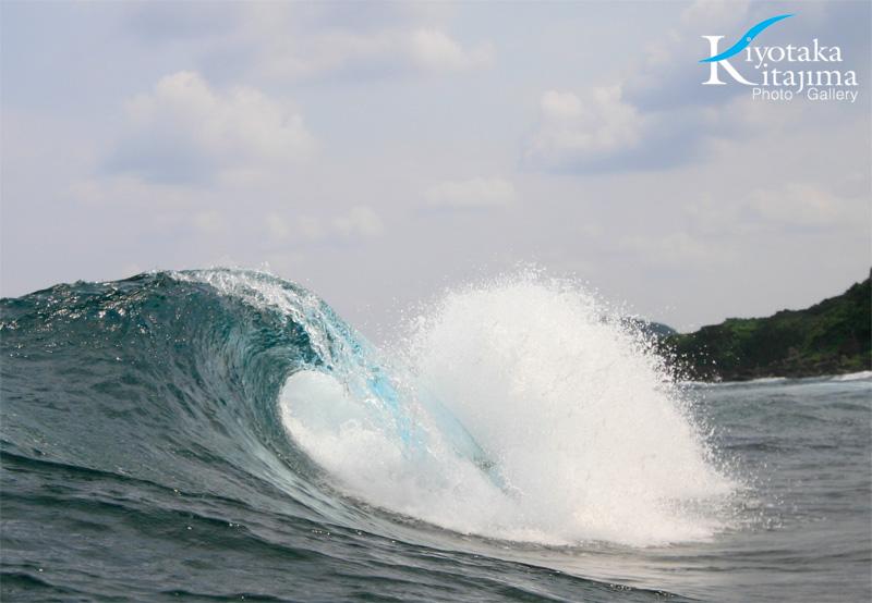 昨日の波の写真