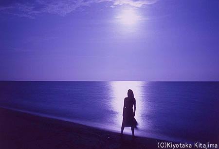 003ビーチ:月の道