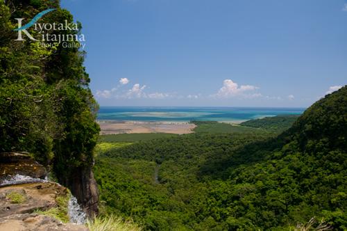 西表島:ピナイサーラの上から